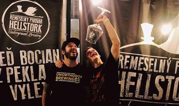 Peter Holčík a Daniel Obcovič z pivovaru Hellstork