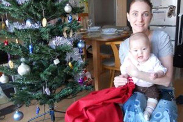 Alexandra s dcérkou Emou počas vlaňajších Vianoc v Tokiu.