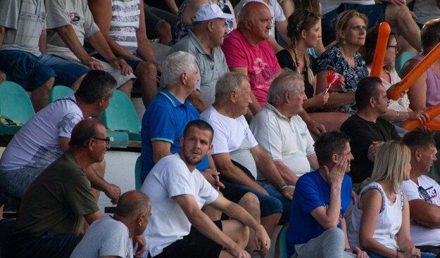 V hľadisku počas rozhodujúceho zápasu nechýbal ani reprezentant Slovenska aodchovanec Partizánskeho – Denis Vavro.
