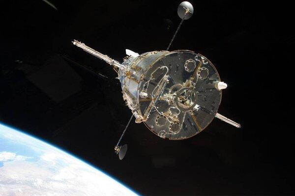 Hubblov vesmírny teleskop je už mesiac v núdzovom režime.