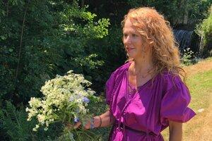Nadaná kvetinárka Jana Müllerová tvorí nádherné vence a kytice.