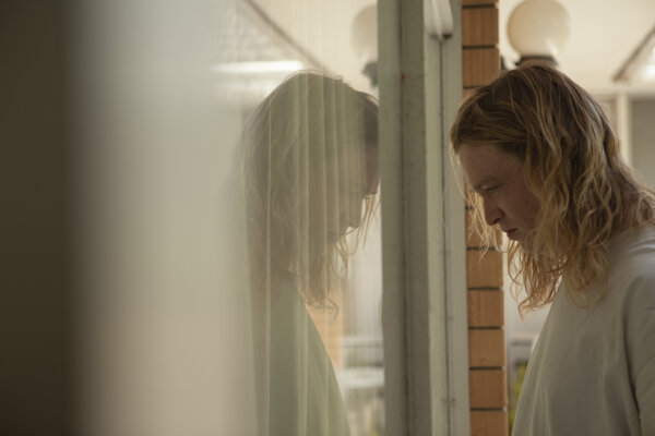 Film Nitram režiséra Justina Kurzela je o austrálskom masovom vrahovi.