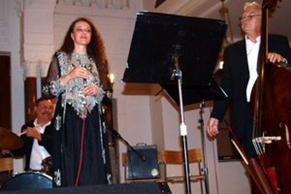 Židovské piesne a žalmy zaspievala Jana Orlická v sprievode Association Etnique.