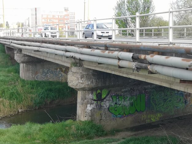 Most na Solivarskej ulici.