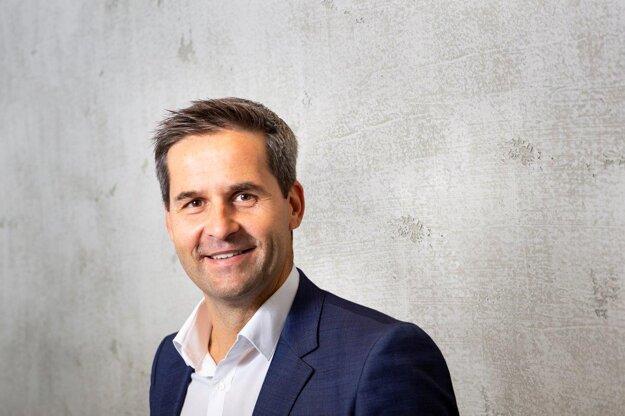 Peter Píš, riaditeľ oddelenia komerčných nehnuteľností JTRE