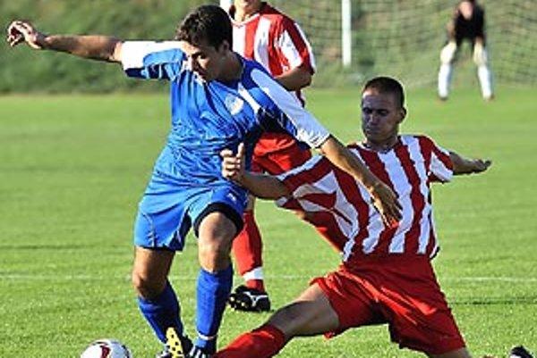 Momentka z duelu V. Ludince - Gabčíkovo (0:0).