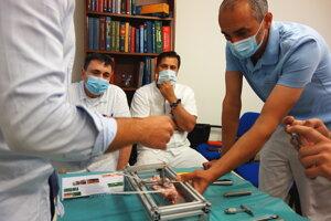 Prezentácia novej operačnej metódy.