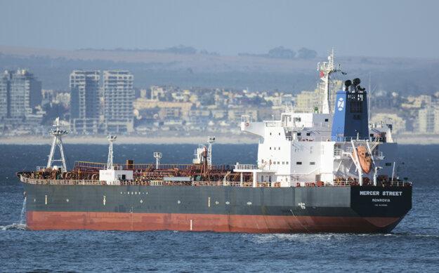 Ropný tanker Mercer Street.