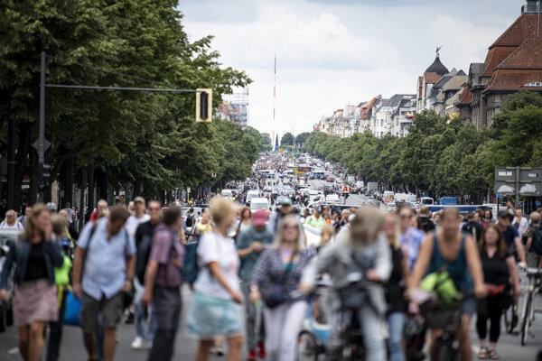Protest proti opatreniam v Berlíne.