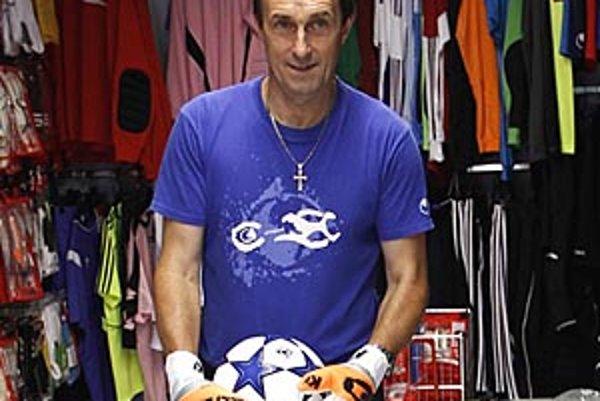 Peter Paluch ršte ako 52-ročný chytal súťažne v prvej triede v Rakúsku.