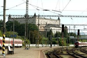 Železničná trať pod Zvolenským zámkom.