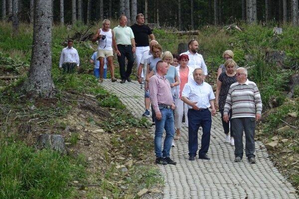 Na novom turistickom chodníku.