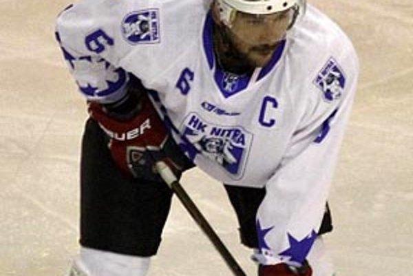 Skúsený obranca Jozef Kováčik podpísal zmluvu s Nitrou, ktorá obsahuje klauzulu, že v prípade ponuky zo zahraničia ho klub uvoľní.