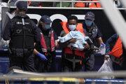 Migranti prišli na malých člnoch.