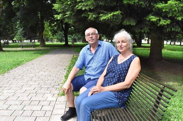 Manželia Talarovičovci odovzdávajú odkaz ľudových remesiel ďalej.