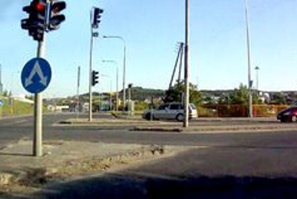 Križovatka Cabajská - Novozámocká.