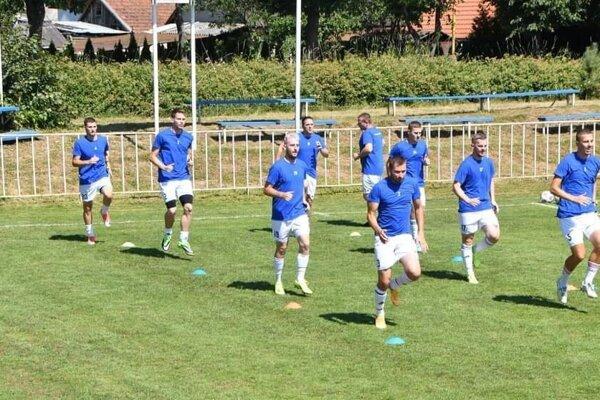 FK Slovan Tomášovce v tréningovom procese letnej prípravy