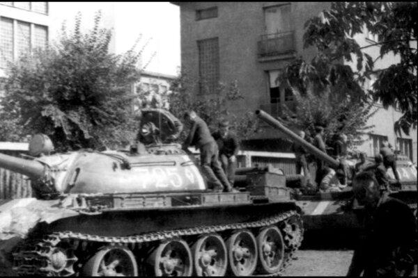 August 1968 a tanky v uliciach Prešova.