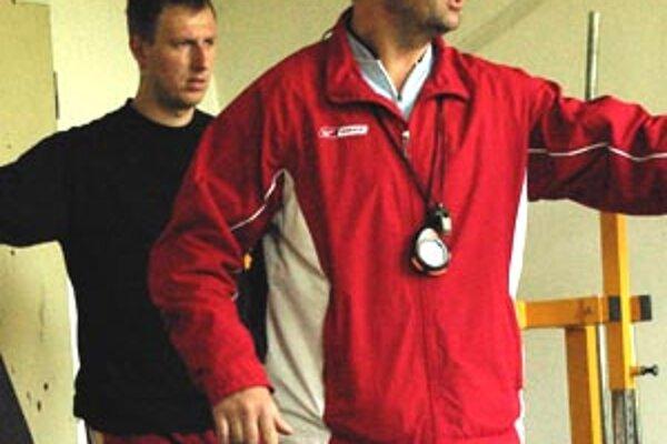 Pre trénera Nitry Branislava Okuliara je to prvá letná príprava so seniorským mužstvom.