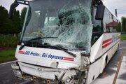 Po zrážke autobusu s kamiónom.