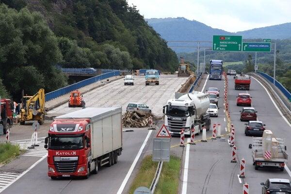 Oprava mosta na R1 za Zvolenom.