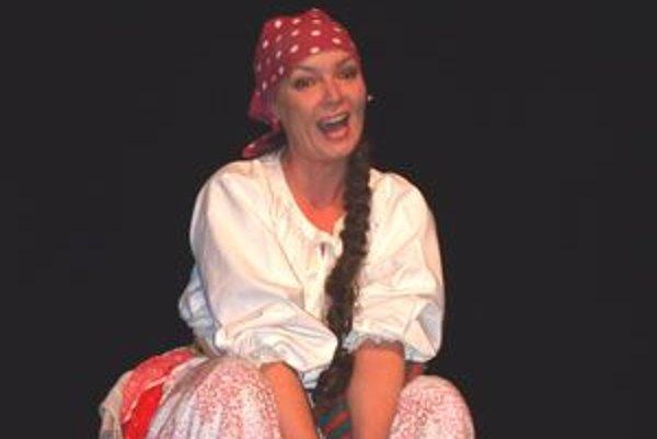 Oľga Schrameková je v SDKS v Nitre od roku 1986. Na snímke v hre Zabudnutý čert.