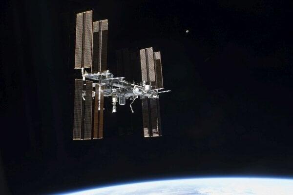 Pohľad na Medzinárodnú vesmírnu stanicu.