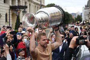 Erik Černák priniesol Stanleyho pohár do rodných Košíc.