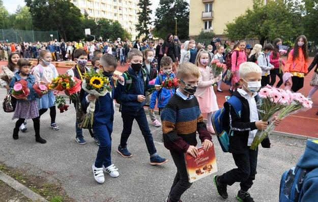 Do škôl po celom Slovensku nastúpilo 707-tisíc žiakov.