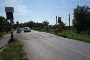 Signalizáciu na priecestí v Kostolnom Seku majú opraviť v priebehu utorka 7. septembra.