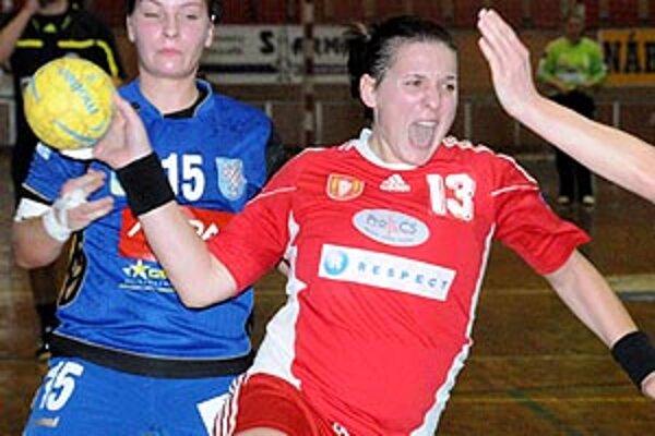 Najlepšou strelkyňou Dusla bola skúsená Katarína Dubajová.