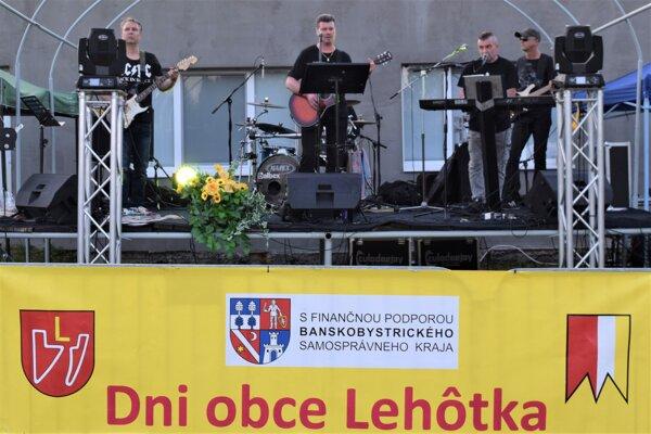 Na hostine v Lehôtke vystúpila aj lučenecká kapela Kord.