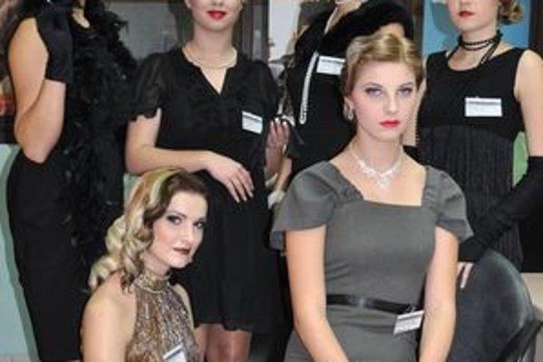 Modelky v retroštýle tridsiatych rokov.