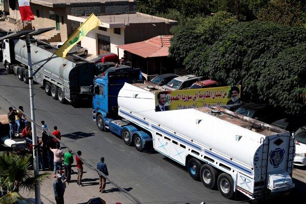 Konvoj cisternových nákladiakov prevážajúcich naftu z Iránu prekročil hranicu zo Sýrie do Libanonu.