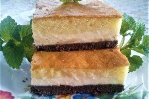 Trojfarebný tvarohový koláč