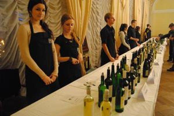 Najlepšie vína boli k dispozícii na verejnej degustácii.