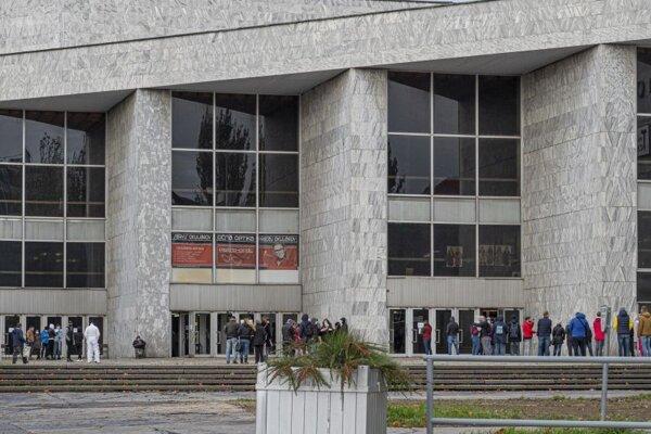 Budova Istropolisu.