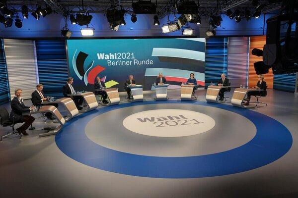 Diskusia lídrov kandidátov po skončení nemeckých parlamentných volieb 2021.