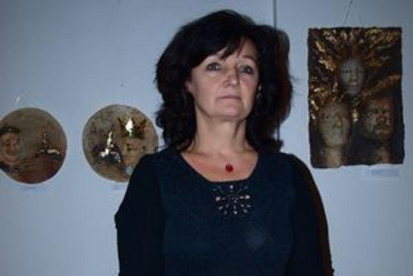 Lýdia Ivaňová vystavuje v Ponitrianskom múzeu.