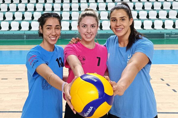 Ana Flavia Galvao (zľava), Vanessa Silva a Caroline Dias Godoi sršia optimizmom pred novou sezónou.