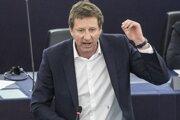 Francúzsky environmentalista a líder Strany Zelených Yannick Jadot počas prejavu na plenárnom zasadnutí Európskeho parlamentu v Štrasburgu 16. apríla 2019.