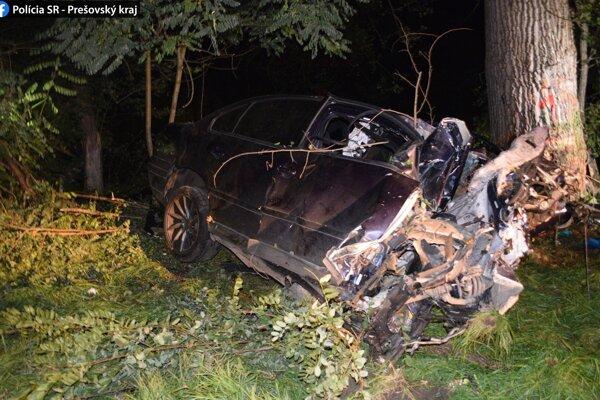 Volkswagen Passat šoféroval 29-ročný muž.Výška škody na vozidle bola predbežne stanovená na 3 000 eur.