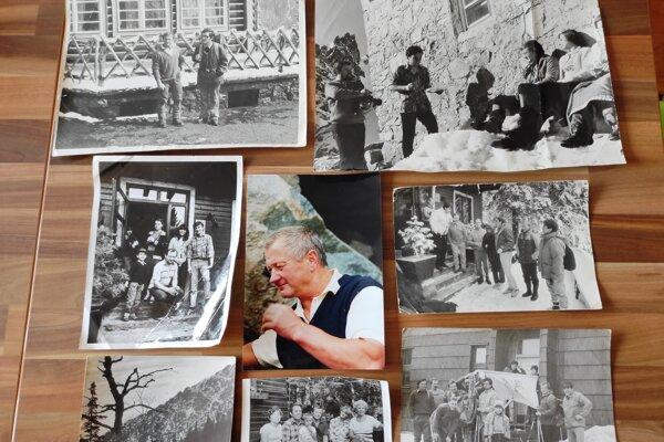 Fotografie z výstavy venovanej životu Ladislava Kulangu. Na otcovu počesť ju pripravil jeho syn Pavol.