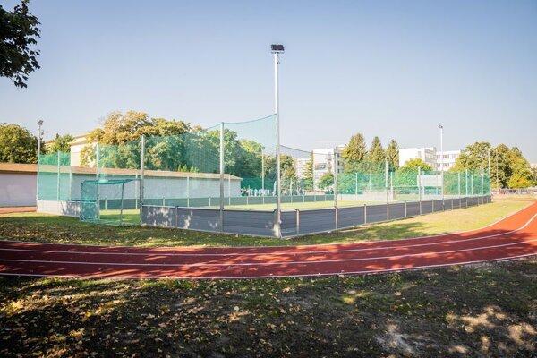 Športový areál na gymnáziu v Dunajskej Strede.