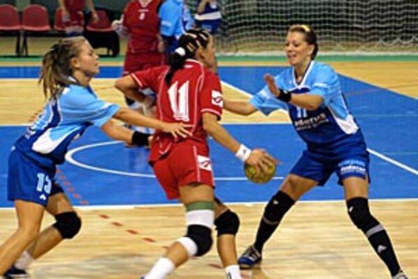 V 1. kole I. ligy žien tím HK Nitra doma podľahol Zlatnej n/O. 26:27.