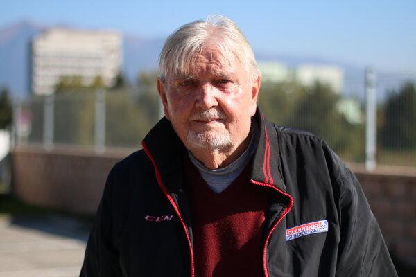 Vladimír Droppa je vyštudovaný inžinier Slovenskej vysokej školy technickej (dnes Slovenská technická univerzita), odboru inžinierske konštrukcie, je teda odborník na cesty a mosty. Takmer 40 rokov pracoval ako vedúci strediska údržby diaľnic v Liptovskom Mikuláši.