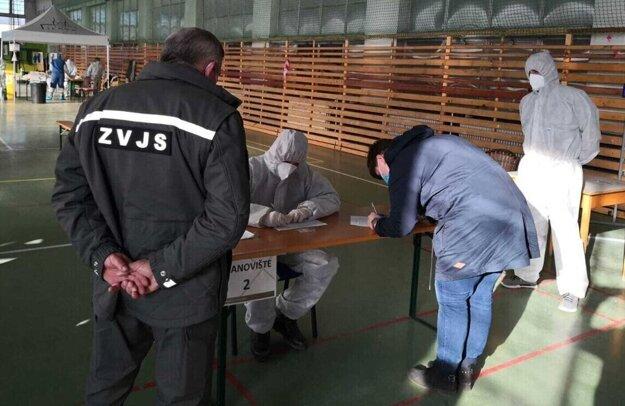 Testovanie v ústavných podmienkach.