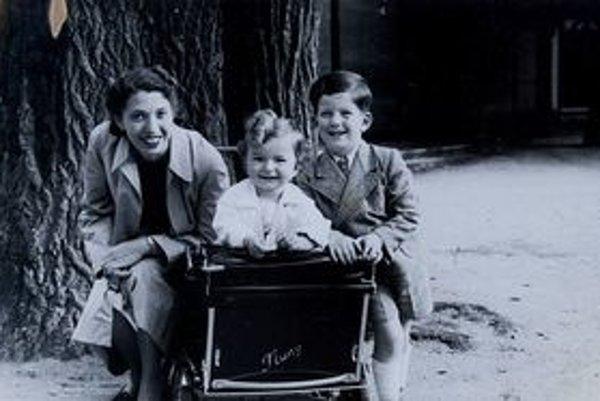 Ladislav Urban s bratom a mamičkou.