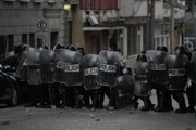 Policajný kordón v Guatemale.