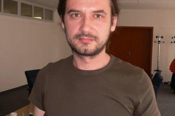 Konzultant Roman Csikós spolu so svojimi kolegami budú poskytovať individuálne poradenské služby.